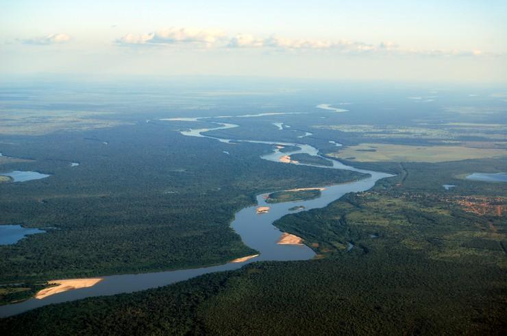 Долина реки Арагуая — типичное местообитание тетры Аманды