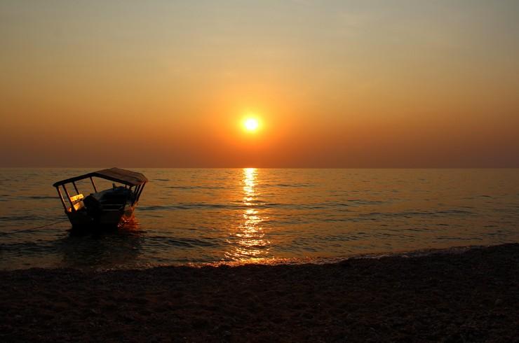Закат на озере Танганьика