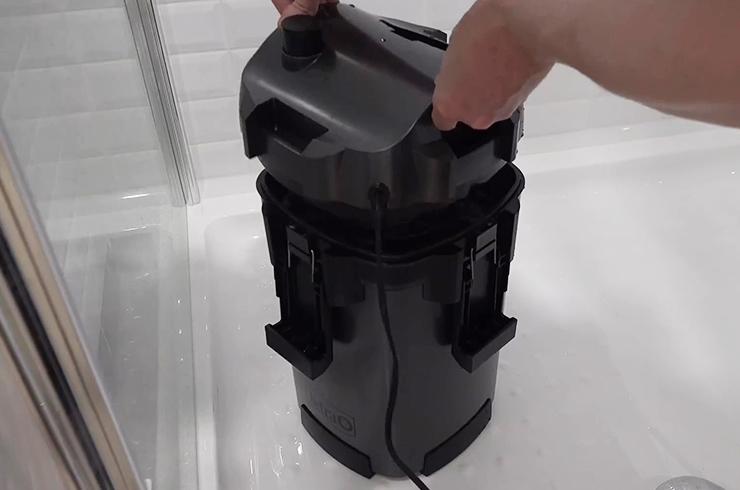 Снимаем голову фильтра