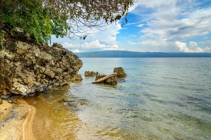 Озеро Посо в центральной части Сулавеси входит в ареал тиломеланий